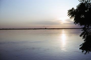 coucher de soleil sur le Logone